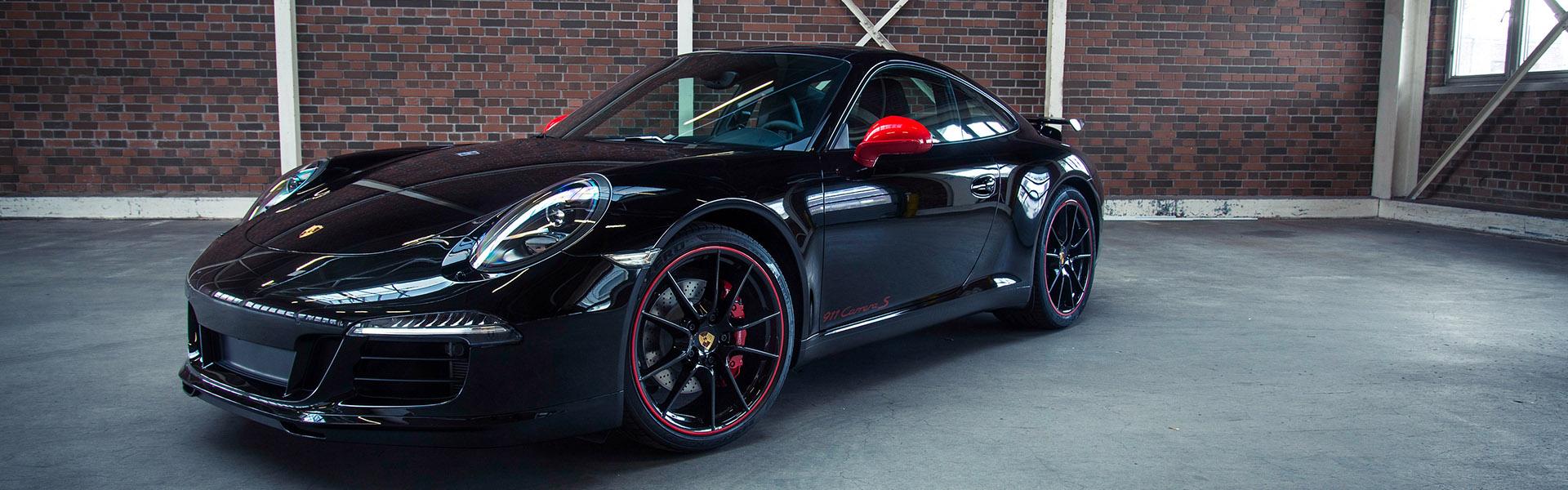 Senza titolo-1_0000_Porsche-911-Carrera-Coupe-black-supercar_3840x2160